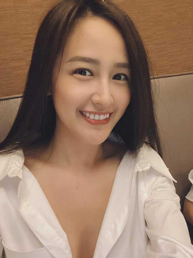 mai-phuong-thuy-ao-so-mi-ho-cuc-1